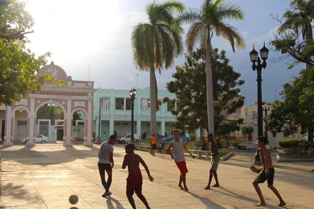 Cuba68_UCPA_cienfuegos